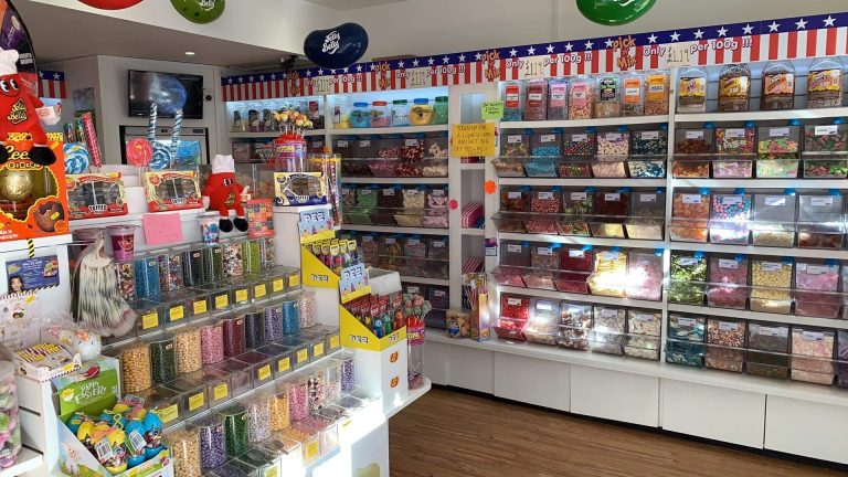 About Candy Room sweet shop 4